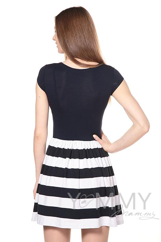 Платье с юбкой на сборке темно-синее в полоску для беременных