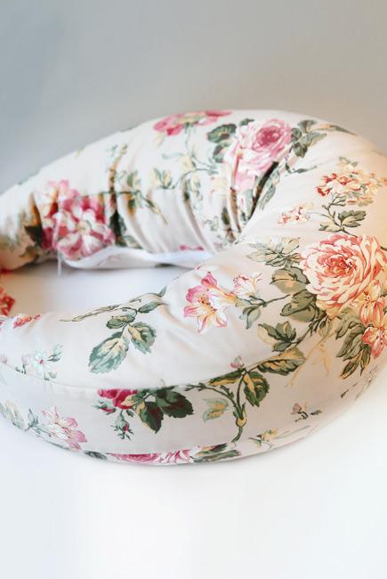 """Подушка для кормления """"Розы"""""""